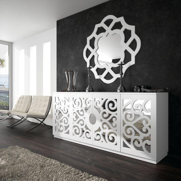 Cassandra es un homenaje a a la esencia mediterránea. Sus formas florales y geométricas son la marca personal de esta colección.