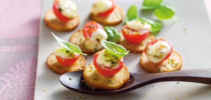 Tomaten-Mozzarella-Cräcker