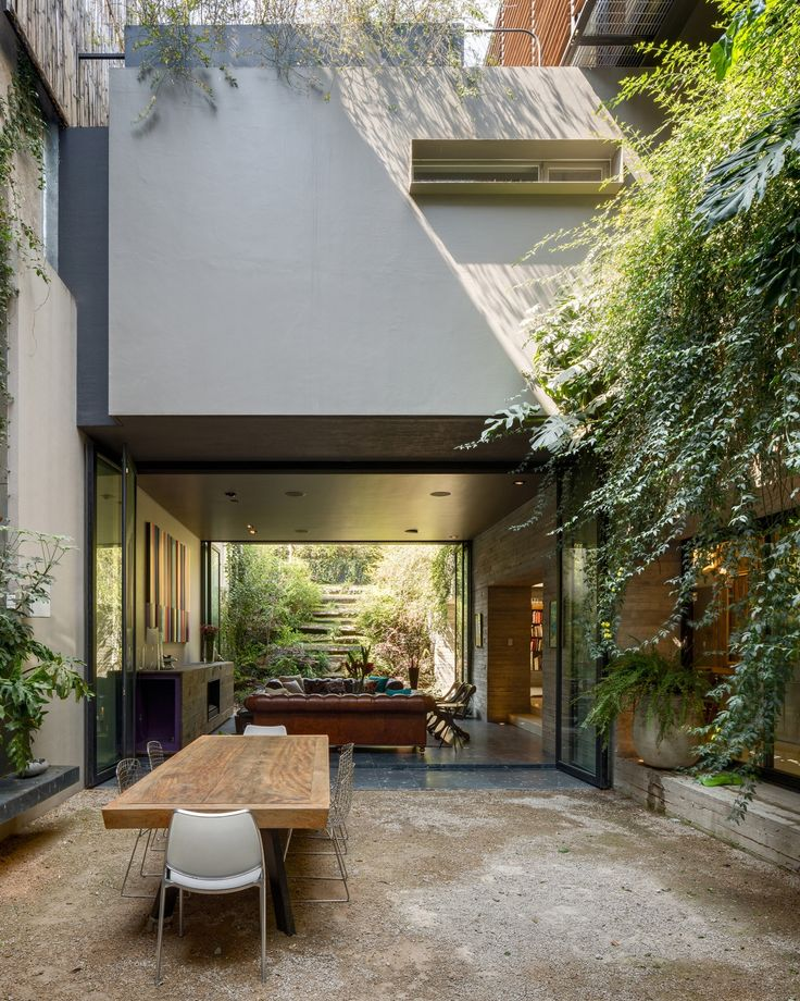 Lovely courtyard home