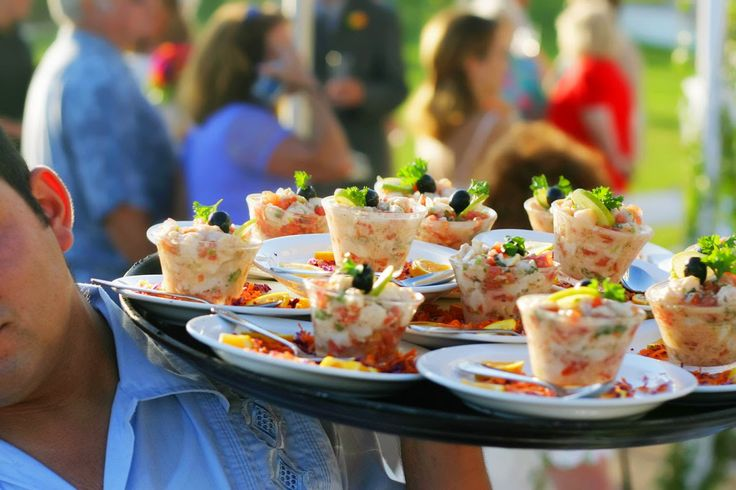 Choosing the right wedding caterer
