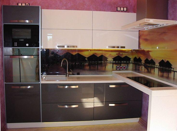 http://tvoidizain.ru/wp-content/uploads/The-corner-kitchen-in-modern-style.jpg