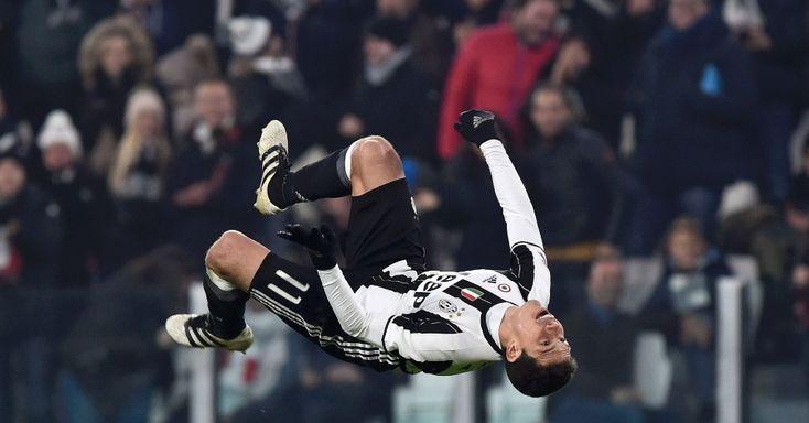 Com belo gol de Hernanes, Juventus vence e dispara na ponta do Italiano