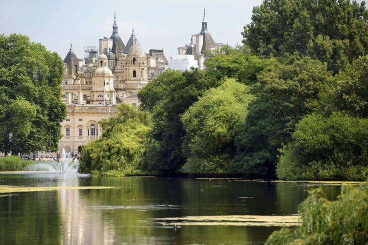 View of the Saint James Palace in the oldest park in #London, Saint James Park! http://www.nyhabitat.com/blog/2015/04/13/top-10-parks-london/