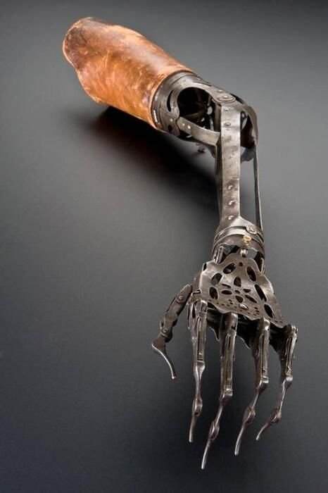 Antique prosthetic arm, c. 1850-1910. Good for scratching, bad for everything else.