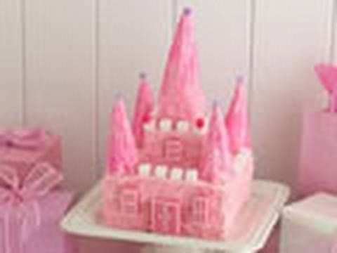 Princess castle cake - How to make a birthday castle cake We know what you're thinking—this castle cake is spectacular, but I could never make it. Its actually not that hard, once you watch professional baker Liv Hansen for Betty Crocker Kitchens create it, step by step.