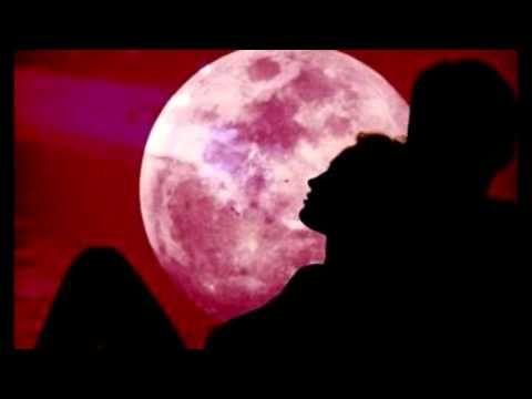 Στίχοι: Λευτέρης Παπαδόπουλος Μουσική: Μίμης Πλέσσας Πρώτη εκτέλεση: Γιάννης Πουλόπουλος Θα πιω απόψε το φεγγάρι και θα μεθύσω και θα πω αφού πονάς για κάποι...