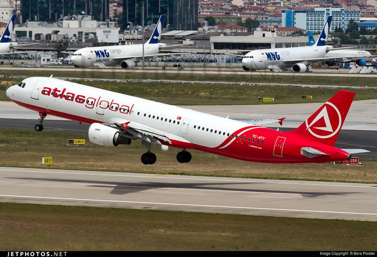 Airbus A321-211, AtlasGlobal, TC-ATY, cn 808, 204 passengers, first flight 14.3.1998 (Airtours International Airways), AtlasGlobal delivered 1.4.2015. Active, for example 24.9.2016 flight Antalya - Istanbul. Foto: Istanbul, Turkey, 20.5.2016.