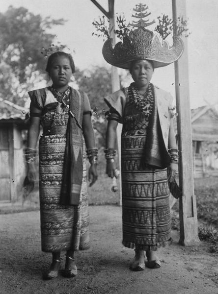Royal women from Lampung, Sumatra - look at her crown