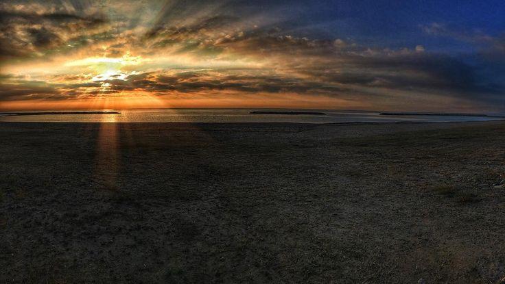 Sun Beach. #luisjardi #luis_jardi #iphone6splus #photography #sfxcentral #soundeffects #zoomf8 #zoom #sea #sunshine #ligthing #cubase #logicpro #soundtrack