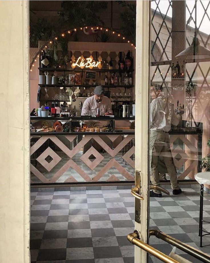 LùBar Milano Villa Reale Palestro Street food Bistrò Lùbar Milano catering. Delivery service. LùBar slow street food. Milano Lùbar. Lubar via Palestro 16.