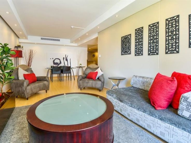 Stunning Cape Town Apartment - Take your Cape Town visit to a new level with this sleek hotel-style apartment in the heart of the city. Boasting a spectacular location, a spacious layout, and luxurious amenities like a fitness center ... #weekendgetaways #dewaterkant #capetowncentral #southafrica