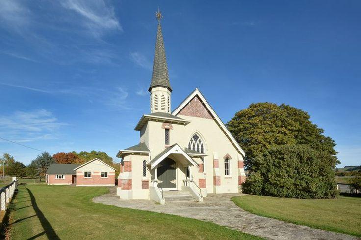 Waitahuna Presbyterian Church, 38 Boyldon St, Lawrence, Otago, New Zealand, for sale.