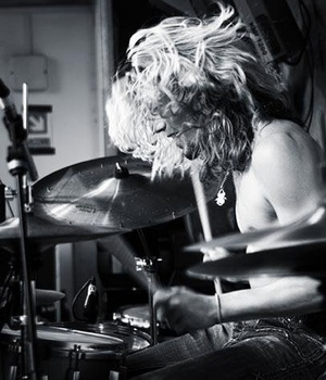 Drumming Sensation Dave Cullen Performing At Vodka Revolution, Cambridge. When a Drummer/Percussionist performs at clubs like this, it takes the clubbing experience to a whole new level. Dave performs his drum sets in addition to the clubs DJ of choice, creating a bombardment of beats to induce those dancing feet and make a night out clubbing, one to remember. Check Him Out On Twitter @DaveCullenDrums: Twitter Davecullendrum, Dance Feet, Dave Performing, Drums Sets, Drum Sets, Dave Cullen, Club Experiment, Drums Sensat, Cullen Performing