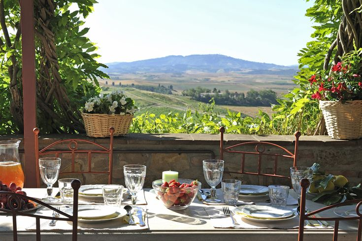 Delicious time, in a luxury villa in Tuscany, Italy. Offer of 30% off, for any stay during month of May. #luxuryRental #TuscanyHomes #ItalyHolidays