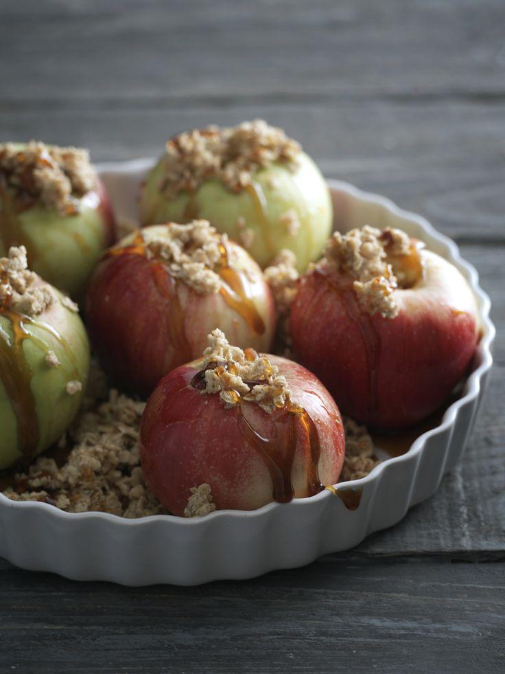 Kaikkien aikojen omenaklassikko! Tarjoile lämpimänä kylmän vaniljakastikkeen tai jäätelön kera. #Ohje odottaa täällä: http://www.dansukker.fi/fi/resepteja/uuniomenat.aspx #uuniomenat #resepti