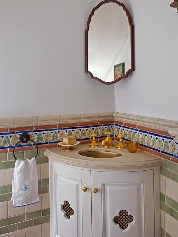 Mini Mediterranean Bathroom