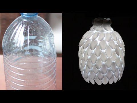DIY: Como fazer luminária de garrafa pet e colheres de plástico linda!!. Link download: http://www.getlinkyoutube.com/watch?v=SEPpdypp7rg