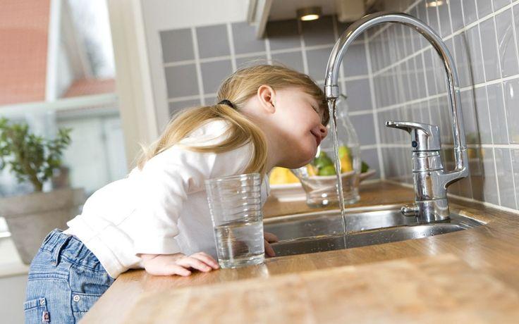Leitungswasser trinken kann man in Deutschland fast überall bedenkenlos.