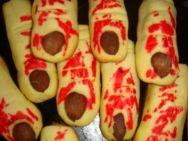Halloween Cookies http://www.vinosyrecetas.com/galletas-de-halloween