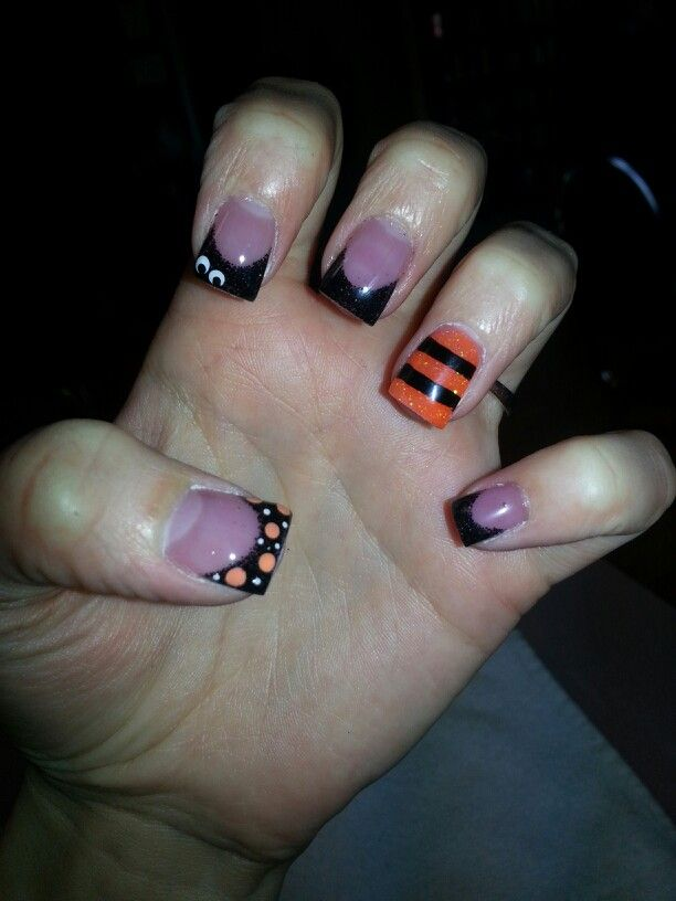 33 best images about nail art halloween on pinterest nail art halloween nails and halloween. Black Bedroom Furniture Sets. Home Design Ideas