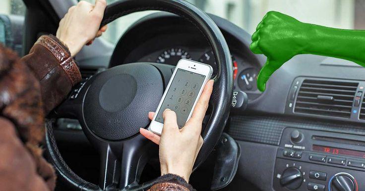 Handy am Steuer: Demnächst bis zu 200 Euro Strafe für Autofahrer   Der Bundesrat stimmt heute über die Erweiterung des Handy-Verbots am Steuer ab. Sollte das neue Verbot beschlossen werden, drohen deutliche höhere Strafen bei Verstößen. #bundesrat #smartphone