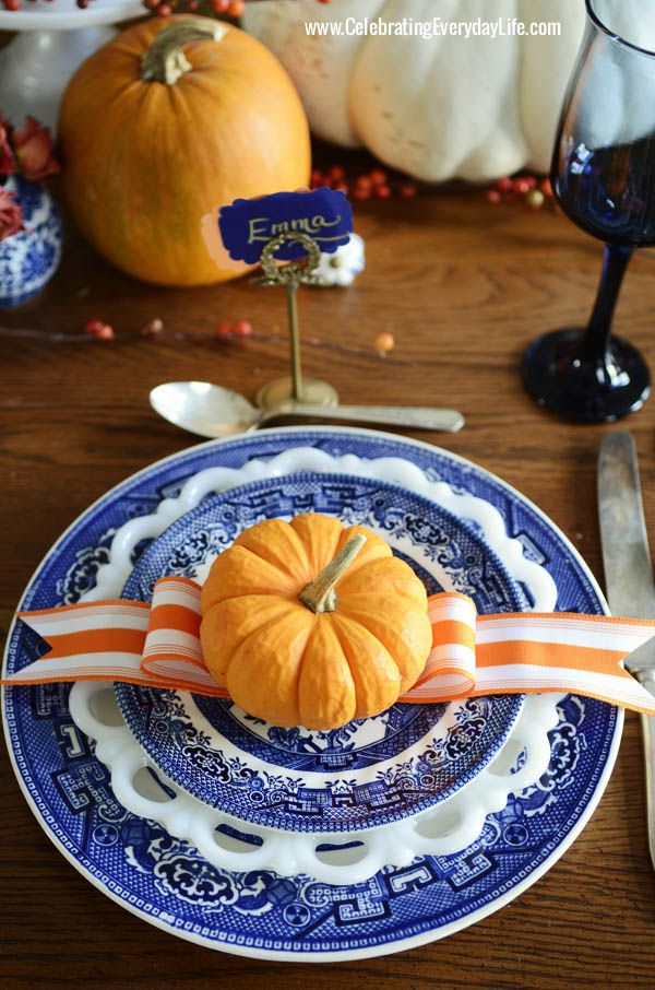 A Blue Willow Thanksgiving Table: