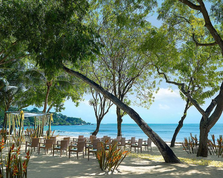 Ensconced within a coconut tree grove, enjoy soft sea breezes, stunning ocean views and the most exotic island ambiance.