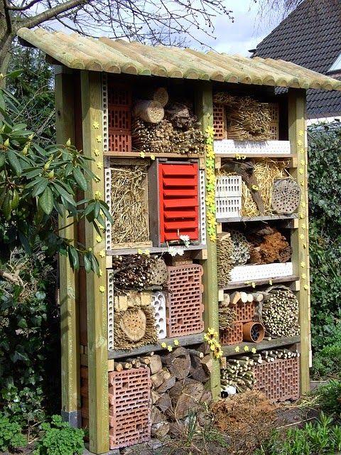 Landhaus Blog : Insektenhotel für den Garten selber bauen - Video ...