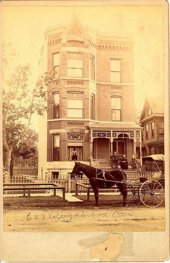 File:655 Wrightwood Avenue Circa 1880, Lincoln Park Chicago Illinois.jpg