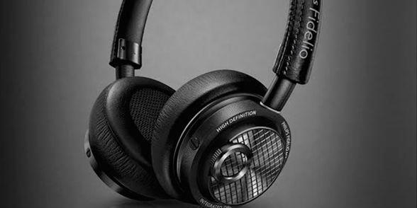Philips anuncia los primeros audífonos con soporte a Lightning - http://www.esmandau.com/163151/philips-anuncia-los-primeros-audifonos-con-soporte-lightning/