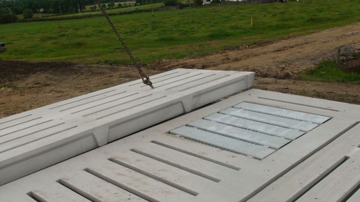 Tom Corcoran Farm - Cattle Slats | Ready Mix Concrete and Easy flow concrete Suppliers, Precast Concrete - Doyle Concrete http://www.doyleconcrete.ie/work/detail/tom-corcoran-farm-cattle-slats/