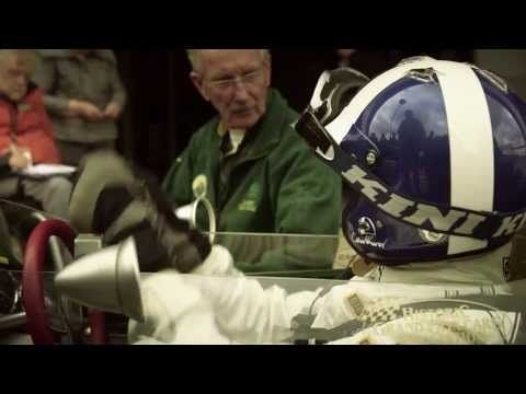 ▶ For motorheads, great footage of the car and discussion by Clarks, mechanics,  and still the best looking GP cars raced. David Coulthard drives Jim Clark's Lotus 25 - YouTube