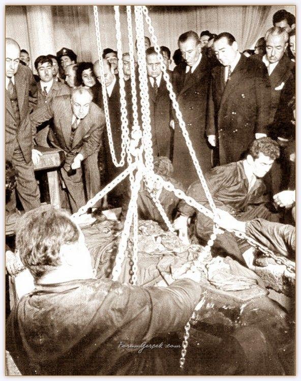 Atatürk'ün Tabutunun Açıldığı Gün, 9 Kasım 1953 - Forum Gerçek