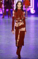 Si Chiara Ferragni lo dice es que (lo ha visto en algún sitio y) se llevará: corsés y cinturones obi | Fashionisima.com.es | Bloglovin'