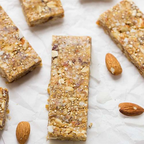 Quinoa Müsliriegel Rezept mit getoasteten Mandeln (vegetarisch)