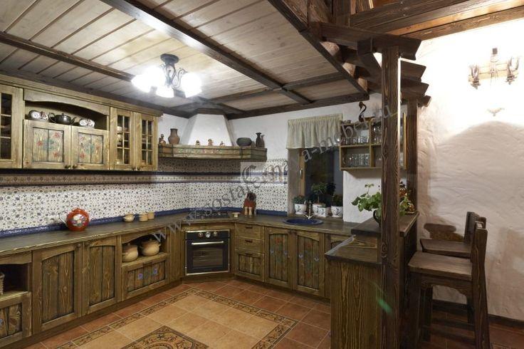 Состаренная кухня из сосны с барной стойкой