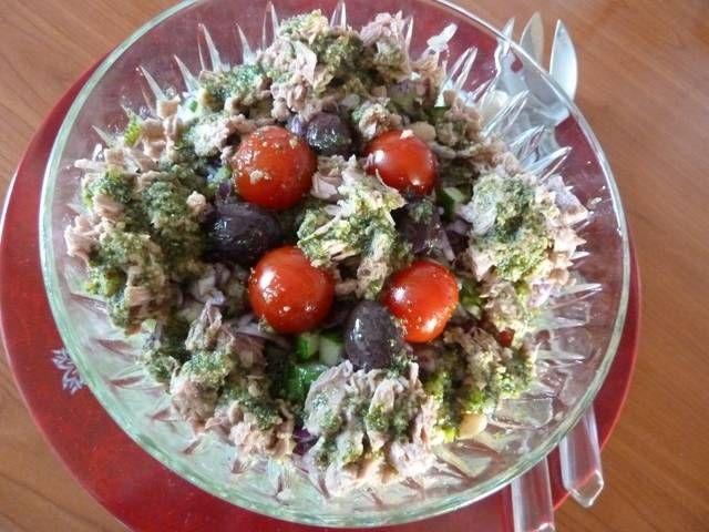 Zomersalade Van Witte Bonen, Gedr.tomaten, Tonijn En Pesto recept | Smulweb.nl