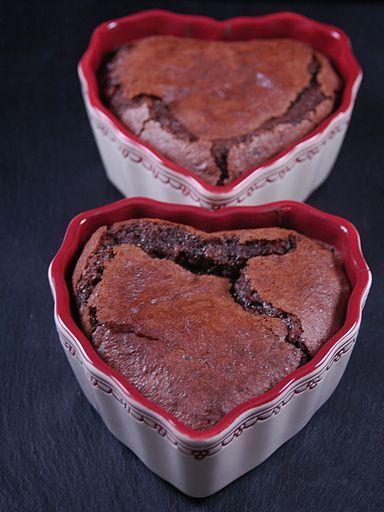 Ramequins fondants au chocolat : Recette de Ramequins fondants au chocolat - Marmiton