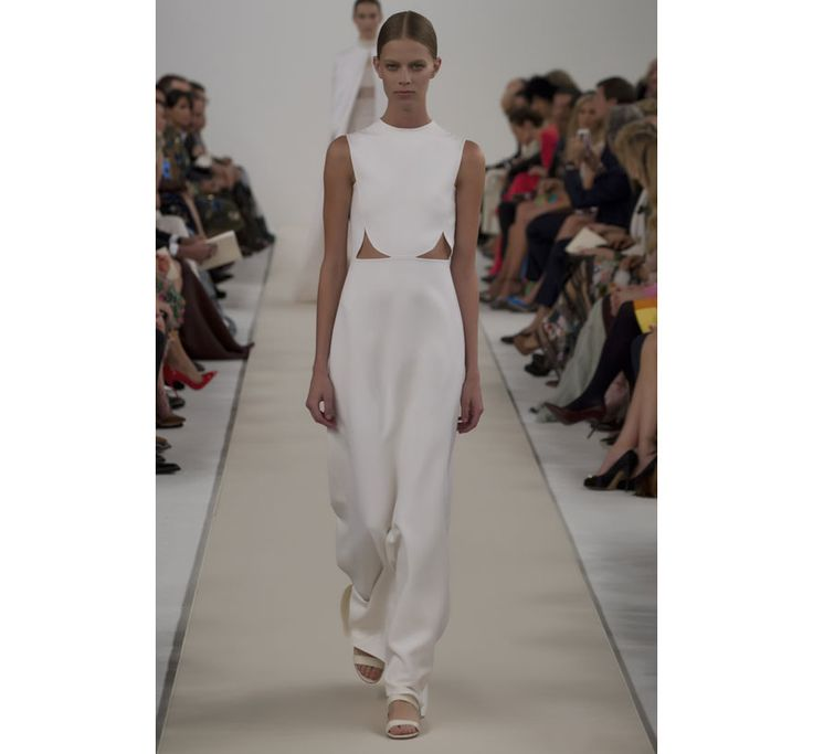 Valentino c l bre le blanc new york mariage weddings for Hors des robes de mariage rack new york