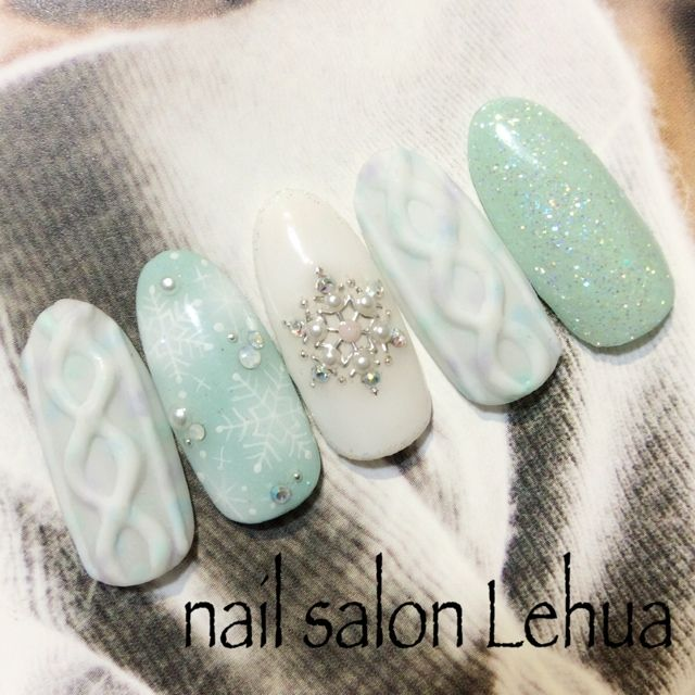 Woahnails.mint.white.glitters.crystals.