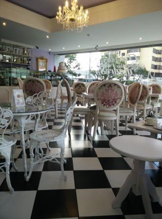 La Petite Patisserie et Chocolat, Quito: Consulta 8 opiniones sobre La Petite Patisserie et Chocolat con puntuación 3 de 5 y clasificado en TripAdvisor N.°684 de 862 restaurantes en Quito.