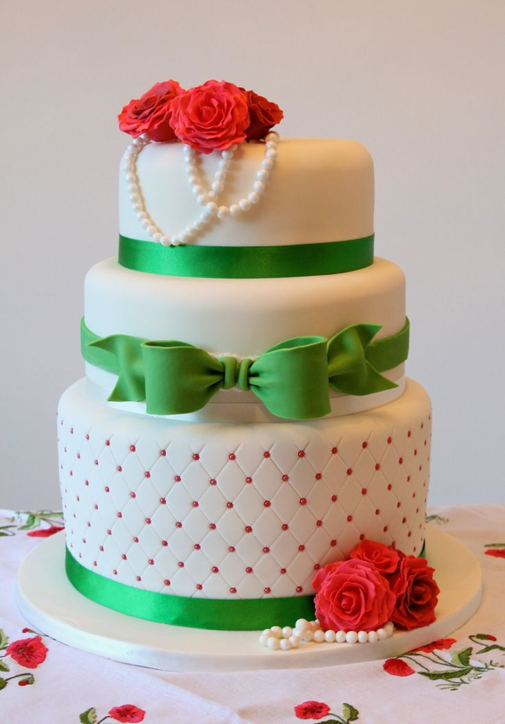 Red And Green Roses Quilted Bow Wedding Cake By Fondant Fancy