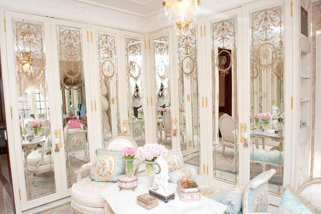 A beautiful life glamorous closets interiors for Beautiful walk in closets