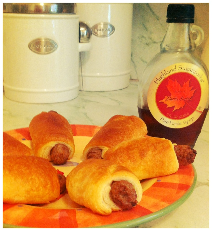 Delicious and easy Breakfast Pigs in a Blanket!: Food Pron, Breakfast Pigs, Camps Stuff, Easy Breakfast