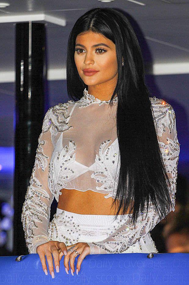 Kylie Jenner198408 INF/Starface 2015-06-24 Cannes France Soirée Mail Online sur le DailyMail Yacht. Jenner, Kylie