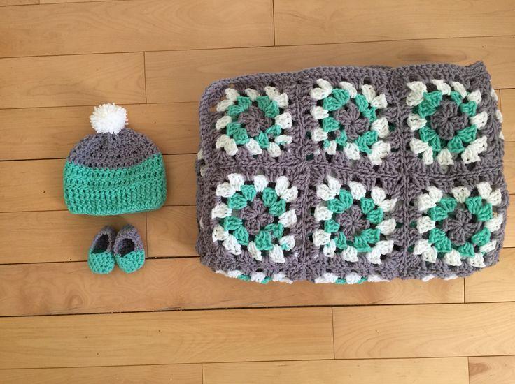 Custom newborn baby booties, baby hat, granny square blanket ! Order now at www.miyukicrochet.com
