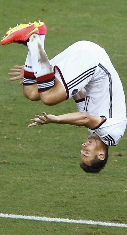 Miroslav Klose después de anotar un gol contra Ghana, Mundial Brasil 2014