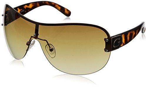 Femminili, sensuali e dal design morbido. Questi bellissimi occhiali da Sole GUESS sono la scelta giusta per la lady romantica e dolce, con il viso...