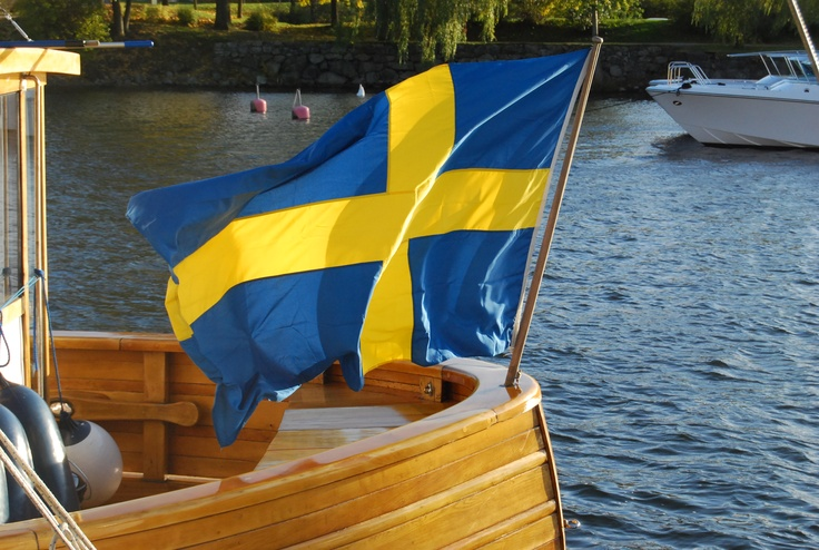 flag swedenSes Drapeau, Exchange Student, Favorite Places, Sweden Mi Homeland, Student 1982, Flags Sweden, Native Habitat, Svenska Flaggan, Sweden Flags