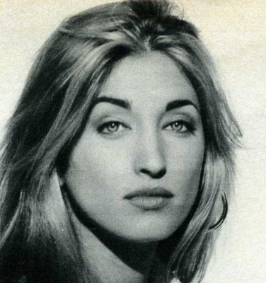 Carolyn Bessette-Kennedy. She was the wife of John F. Kennedy, Jr. who died in the plane crash with her husband.